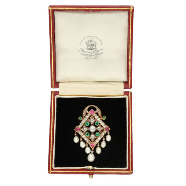 BR-203_Paulinesjewellerybox_Brooch_3