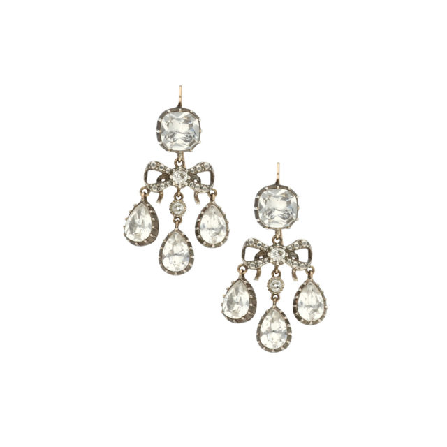 E-005-1-Paulinesjewellerybox-Crystal-Rock-earrings