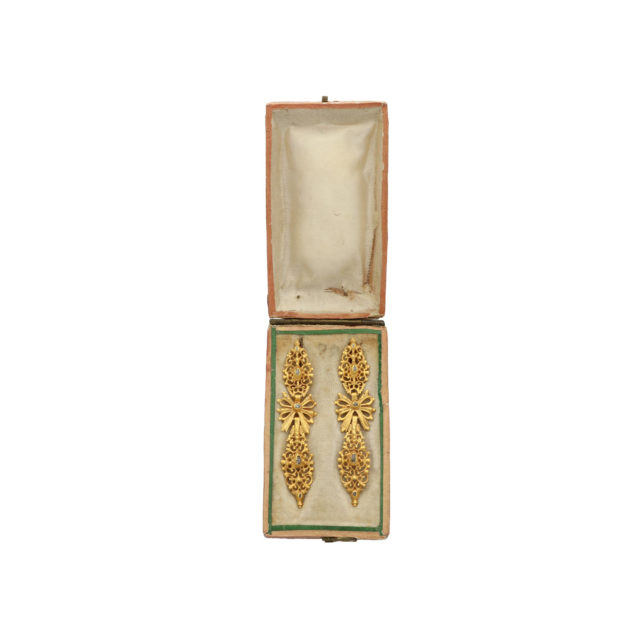 E-073_2-earrings-paulinesjewellerybox