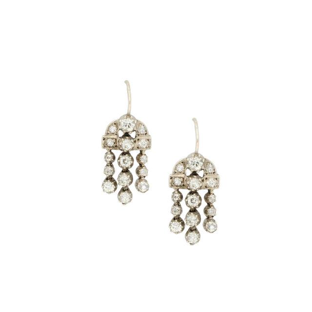 E-130_Paulinesjewellerybox_Silver+Dia-Earrings_1