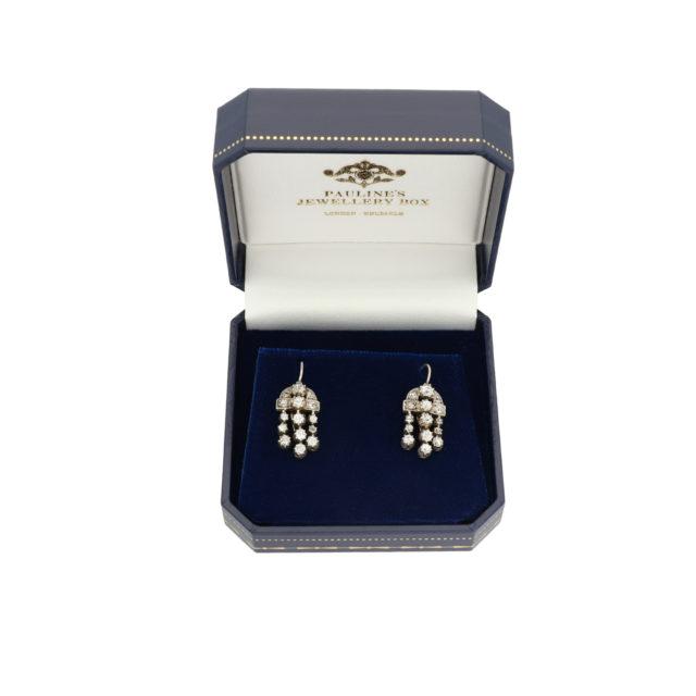 E-130_Paulinesjewellerybox_Silver+Dia-Earrings_2
