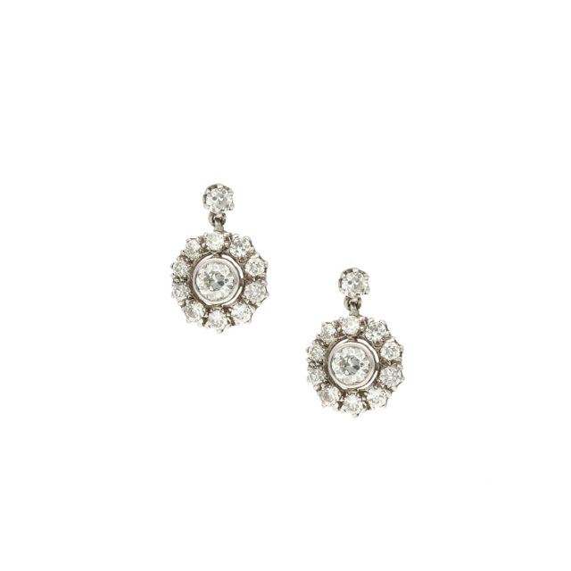 E-159-1-Paulinesjewellerybox-Diamonds-earrings