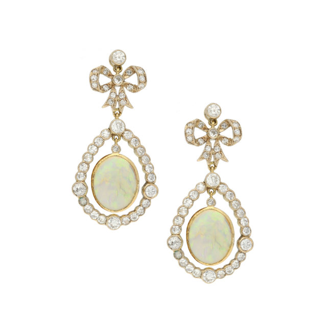 E-187-Paulinesjewellerybox-diamonds-topaz-earrings