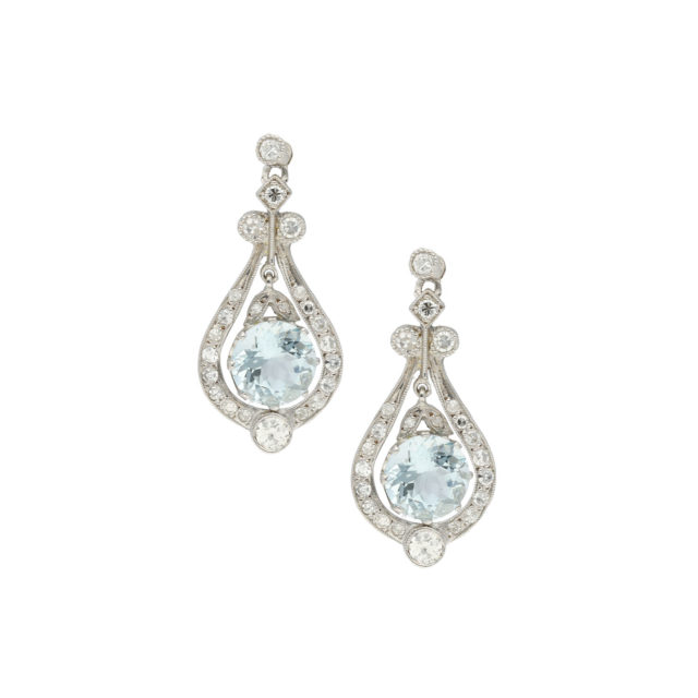 E-188-Paulinesjewellerybox-diamonds-earrings