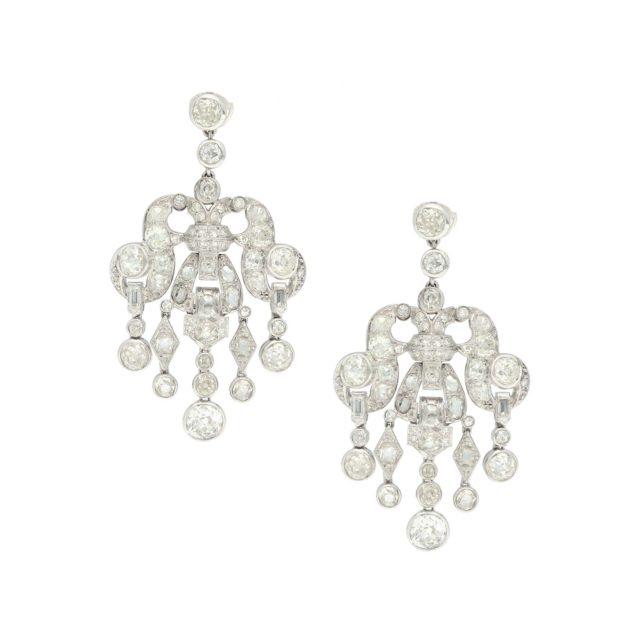 E-195-Paulinesjewellerybox-diamonds-earrings
