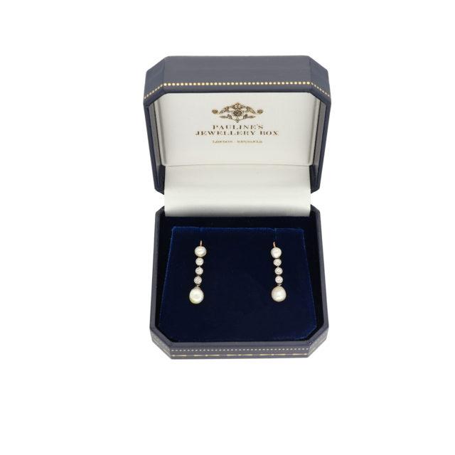 E-206_Paulinesjewellerybox_Pearl+Dia-Earrings_2