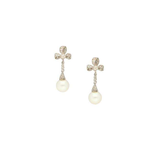 E-218_Paulinesjewellerybox_Pearl+Dia-Earrings_1