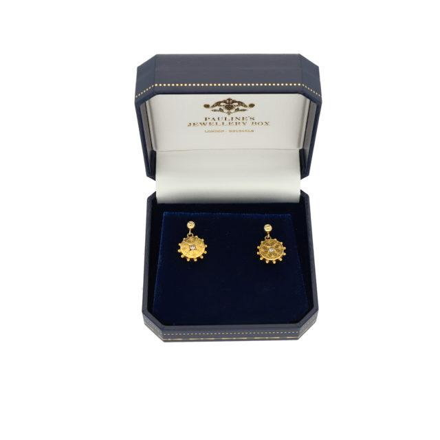 E-219_Paulinesjewellerybox_YG+Dia-Earrings_2