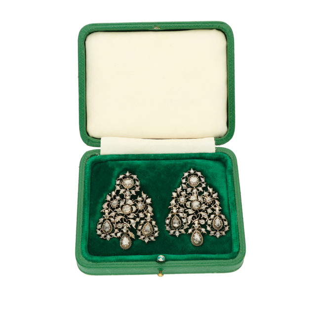 E-223_Paulinesjewellerybox_Dia-Earrings_2