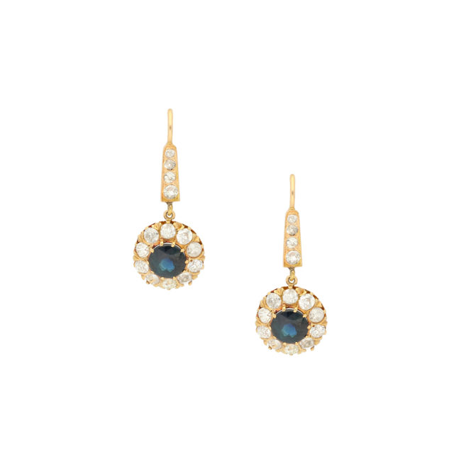 E-238_Paulinesjewellerybox_Sapph&Dia-Earrings_1