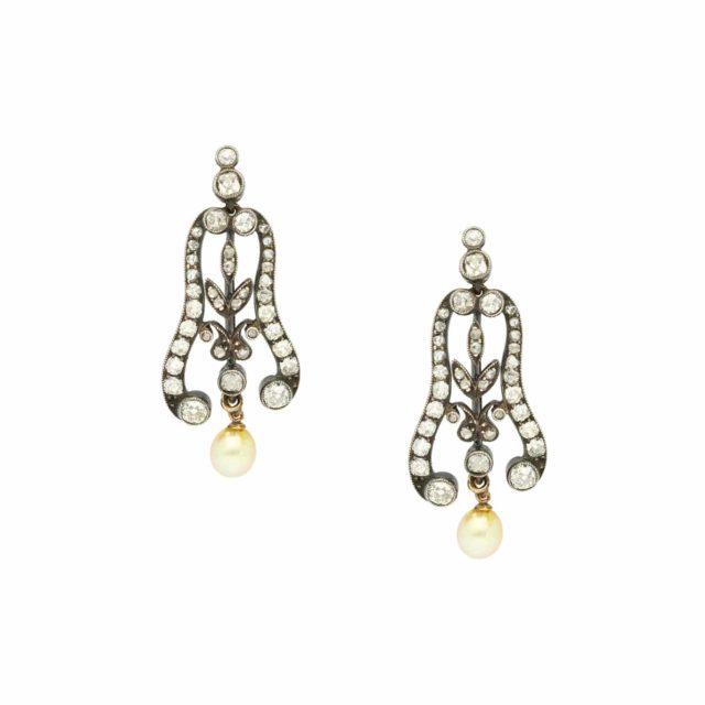 E-293_Paulinesjewellerybox_Earrings_1
