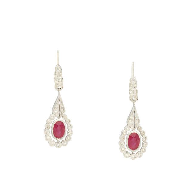 E-296_Paulinesjewellerybox_Earrings_1