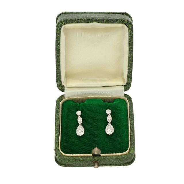 E-305_Paulinesjewellerybox_Earrings_1