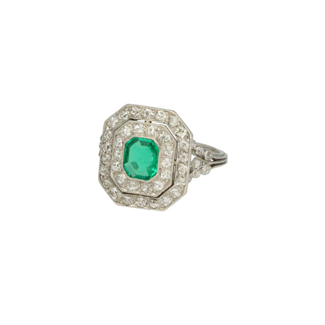 R-404-2-emerald-daimond-engagment-ring-paulinesjewellerybox