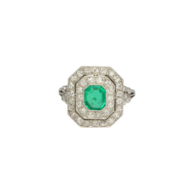 R-404-emerald-daimond-engagment-ring-paulinesjewellerybox