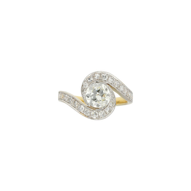 R-446-1-Paulinesjewellerybox-engagement-diamond-ring