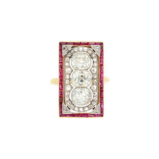 R-507-Paulinesjewellerybox-rings-sapphires-diamonds