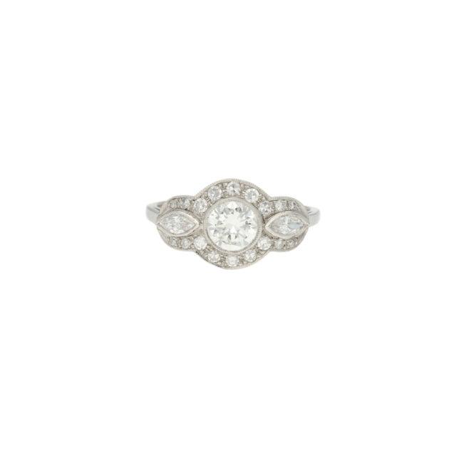R-557-1-Paulinesjewellerybox-engagement-diamond-ring