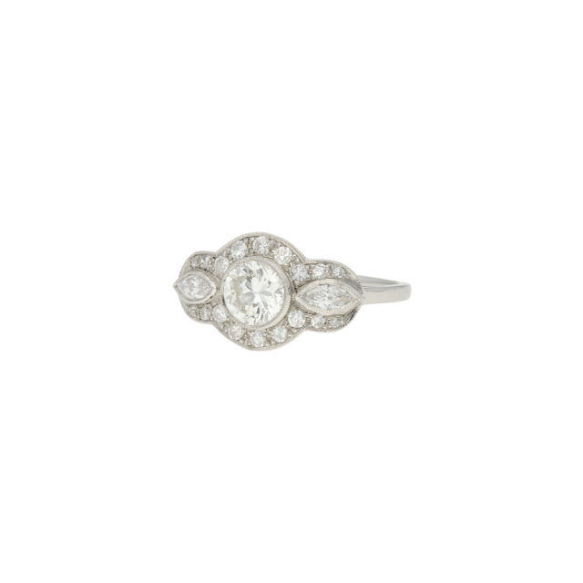 R-557-2-Paulinesjewellerybox-engagement-diamond-ring