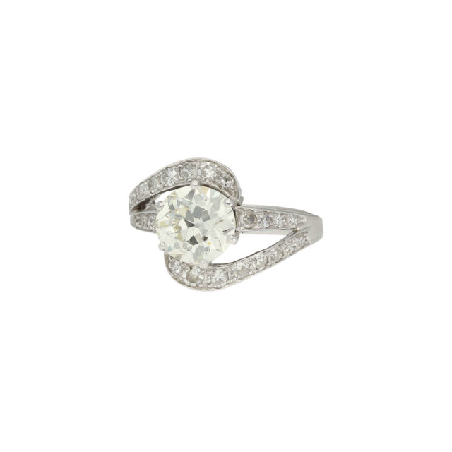 R-562-2-Paulinesjewellerybox-engagement-diamonds-ring