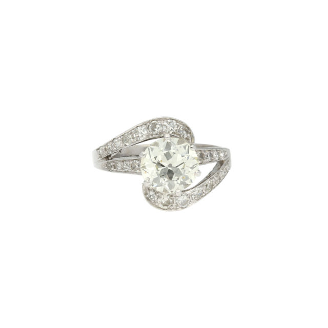 R-562-Paulinesjewellerybox-engagement-diamonds-ring