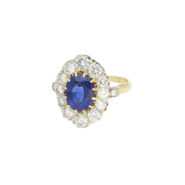 R-566-2-Paulinesjewellerybox-Sapphire-and-diamonds-ring