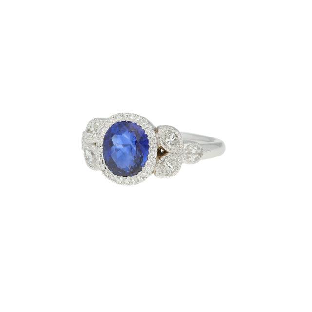 R-582-2-Paulinesjewellerybox-Diamond-Sapphire-Ring
