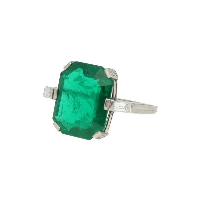 R-617-2-Paulinesjewellerybox-engagement-diamond-ring
