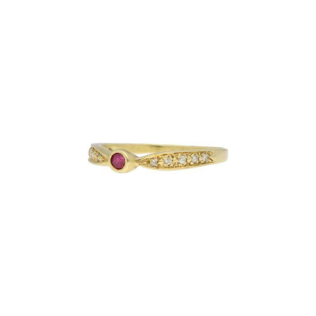 R-635-2-Paulinesjewellerybox-Yellow-Gold-Ring