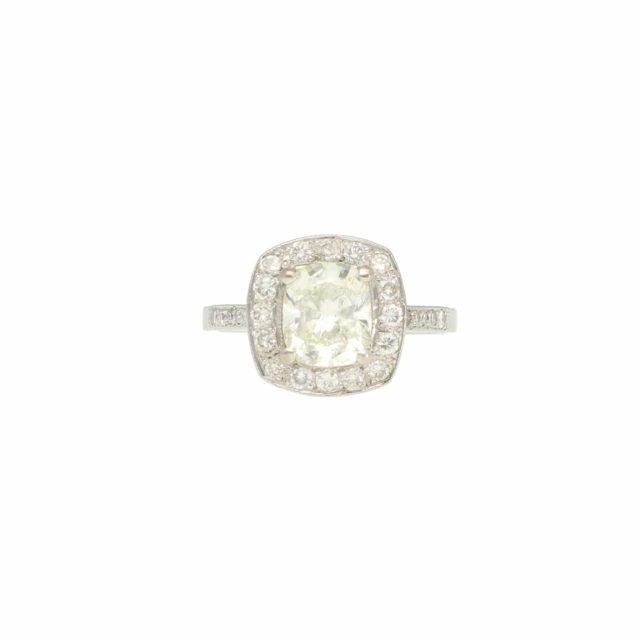 R-746_paulinesjewellerybox_DiamondCushionRing_1
