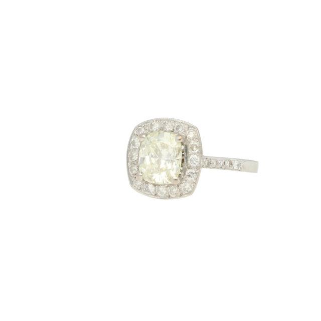 R-746_paulinesjewellerybox_DiamondCushionRing_2