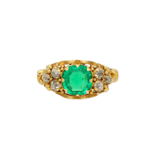R-843_Paulinesjewellerybox_Emerald-Ring_1